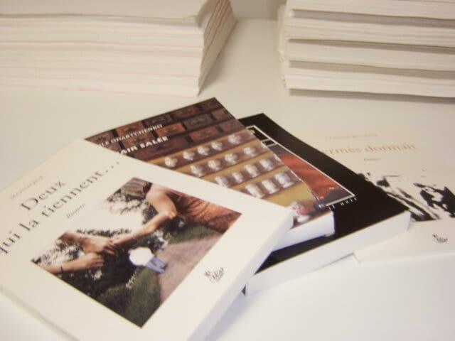 livre avec couverture souple dos carré collé