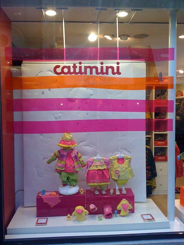 Fond vitrine papier et adhésif translucide pour la boutique Catimini