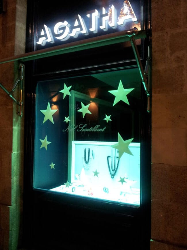 adhésif phosphorescent avec étoiles