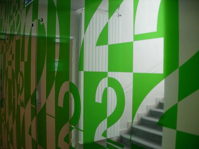 dibond miroir avec adhésif translucide vert